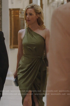 Kelly-Anne's green one shoulder wrap dress on Queen of the South