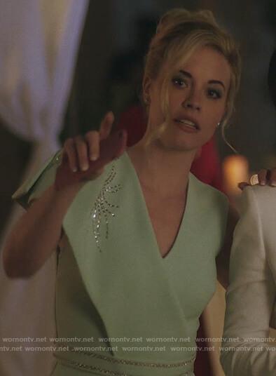 Teresa's white open back blazer on Queen of the South