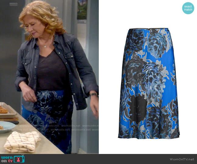 Kobi Halperin Elena Skirt worn by Vanessa Baxter (Nancy Travis) on Last Man Standing