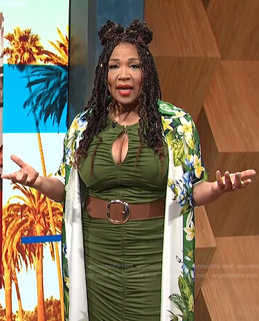 Kym's green ruched keyhole dress on E! News Daily Pop