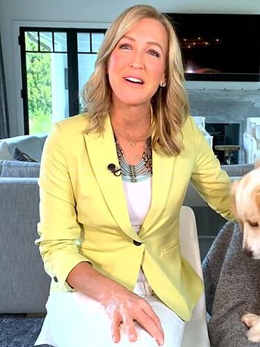 Lara's yellow blazer on Good Morning America