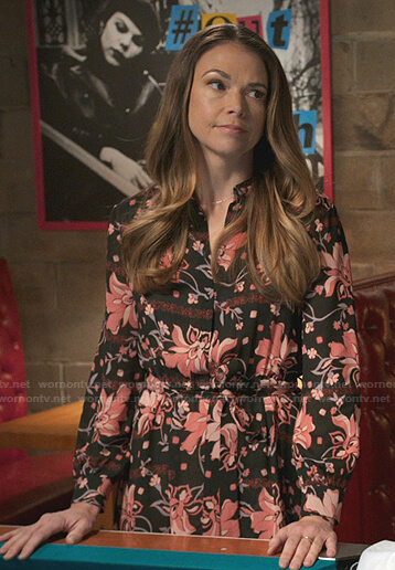Liza's black and pink floral shirtdress on Younger