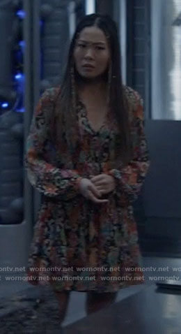 Mary's printed long sleeve mini dress on Batwoman