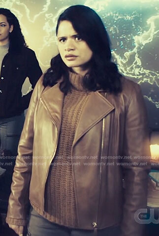 Mel's tan leather jacket on Charmed