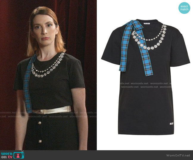 Necklace Chain Jersey T-shirt by Miu Miu worn by Lauren (Molly Bernard) on Younger