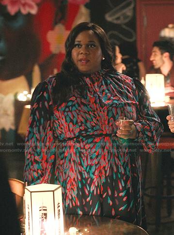 Mo's navy feather print dress on Zoeys Extraordinary Playlist