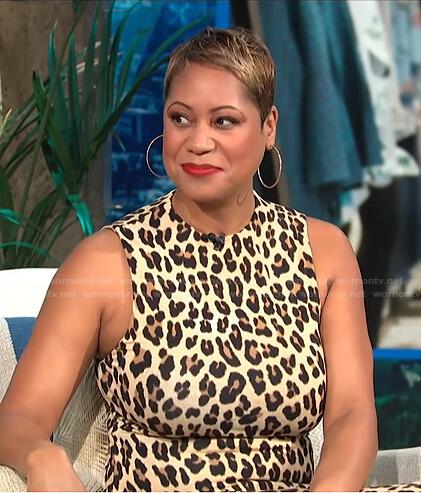 Monique Kelley's leopard sleeveless dress on E! News Daily Pop