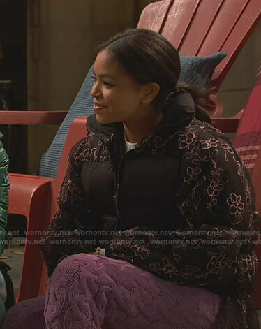 Nia's floral puffer jacket and cable knit pants on Ravens Home