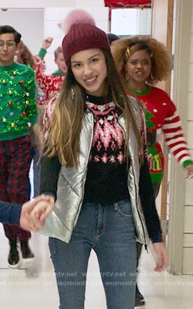 Nini's black and pink fair isle sweater on High School Musical The Musical The Series