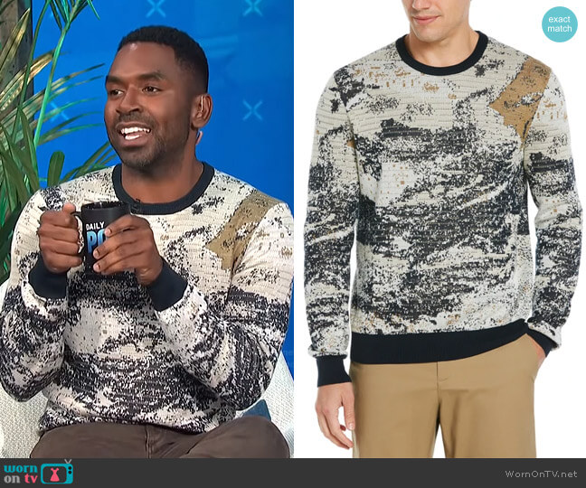 Painted Crew Neck Sweater by Perry Ellis worn by Justin Sylvester  on E! News