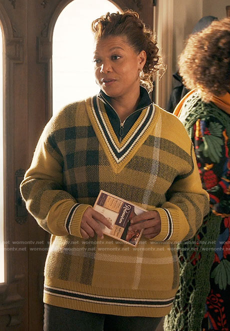 Robyn's yellow plaid sweater on The Equalizer