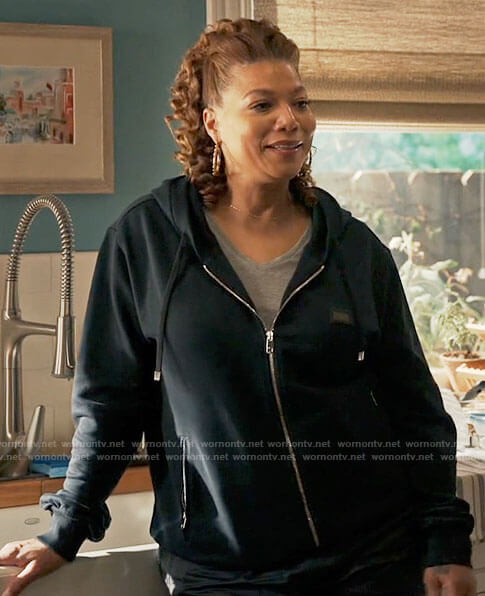 Robyn's navy hoodie on The Equalizer