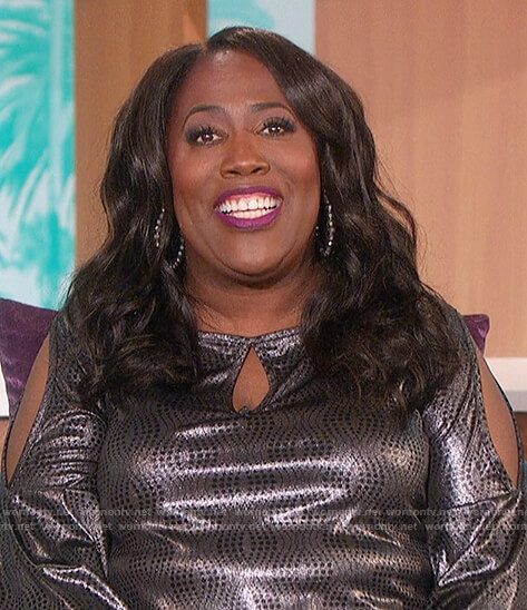 Sheryl's metallic cold shoulder top on The Talk
