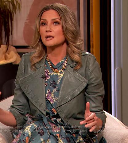 Jennifer Nettles's floral print ruffle dress on The Drew Barrymore Show