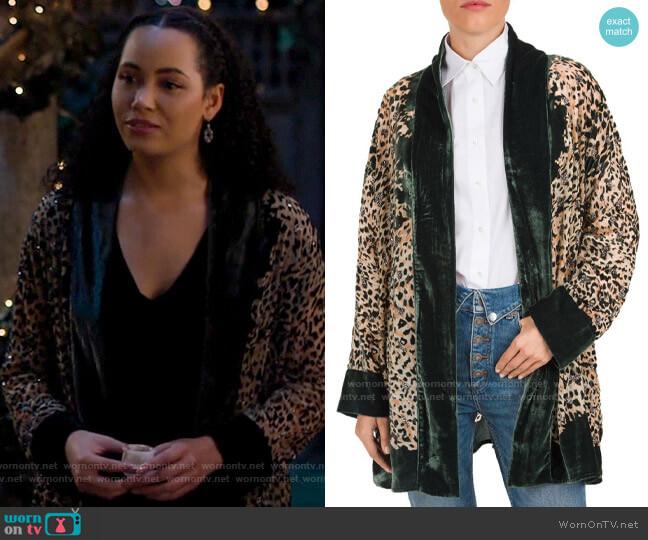 The Kooples Canyon Velvet-Detail Leopard-Print Kimono worn by Macy Vaughn (Madeleine Mantock) on Charmed