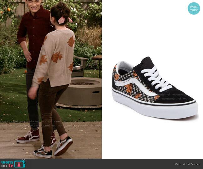Vans Tiger Floral Black/ True White Old Skool Sneaker worn by Jackie Raines (Rachel Sennott) on Call Your Mother