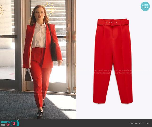 High-Waisted Belted Pants by Zara worn by Zoey Clarke (Jane Levy) on Zoeys Extraordinary Playlist