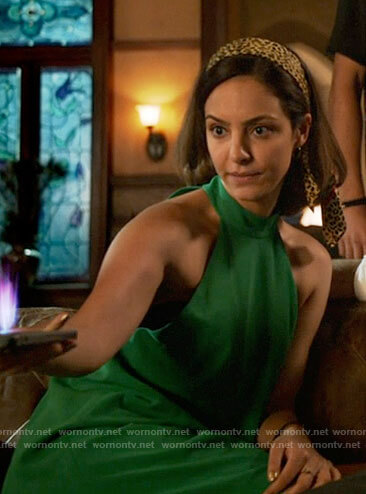 Zari's green shift dress on Legends of Tomorrow