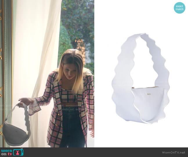 Mountain Bag by 404 Studio x Belfry worn by Cayetana Grajera Pando (Georgina Amoros) on Elite