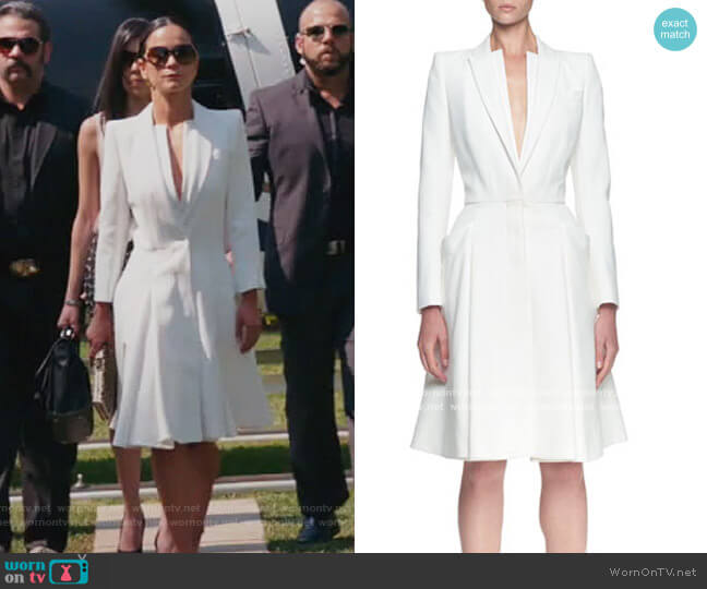 Double-Layer Lapel Coat Dress by Alexander McQueen worn by Teresa Mendoza (Alice Braga) on Queen of the South