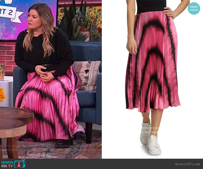 Katz Tie Dyed Pleated Midi Skirt by Alice + Olivia worn by Kelly Clarkson  on The Kelly Clarkson Show