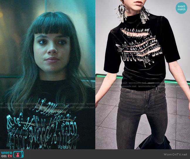 Fall Winter 2020-2021 by Yezael by Angelo Cruciani worn by Mencia Blanco (Martina Cariddi) on Elite