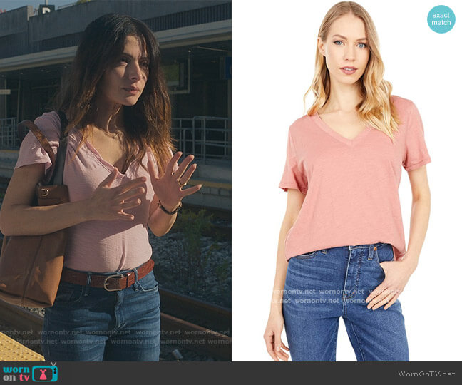 Whisper Cotton V-Neck Tee by Madewell worn by Billie Connelly (Sara Shari) on Sex/Life