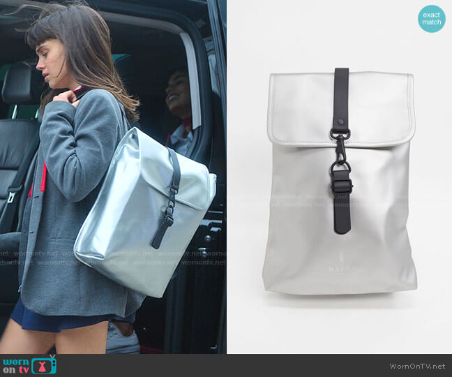 Metallic Rolltop Backpack by Rains worn by Mencia Blanco (Martina Cariddi) on Elite
