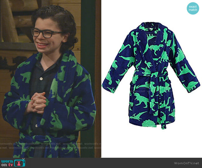 Fuzzy Cover Up by Simplicity Store at Amazon worn by Matteo Silva (Raphael Alejandro) on Bunkd