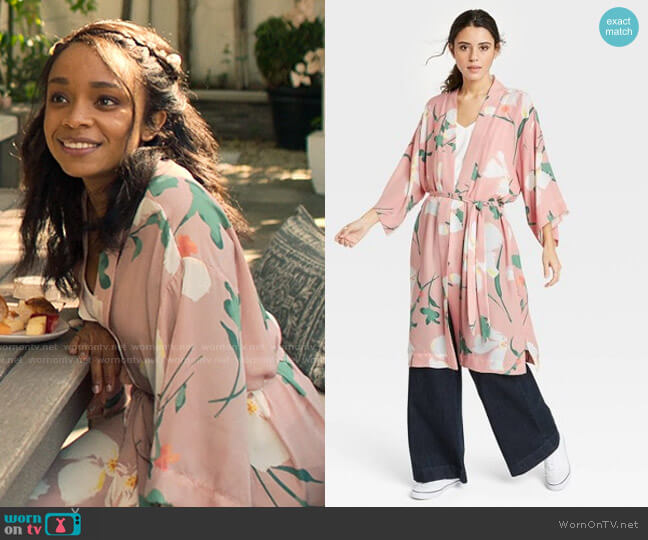 Target A New Day Floral Print Duster worn by Mia Brooks (Rachel Hilson) on Love Victor
