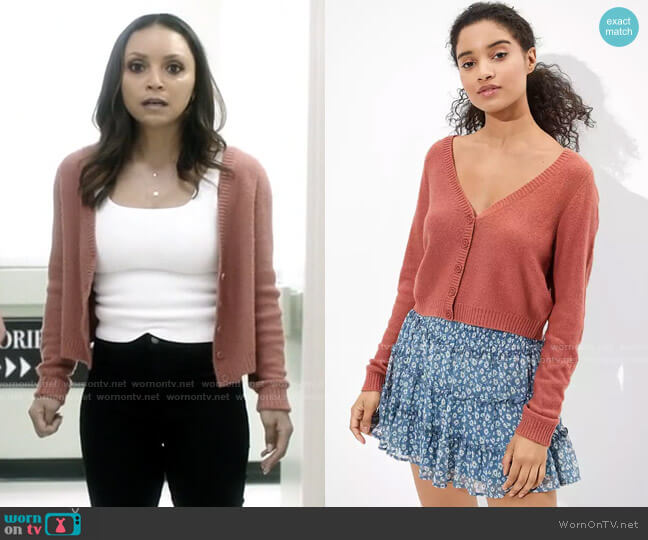 American Eagle Cropped Cardigan worn by Cecile Horton (Danielle Nicolet) on The Flash