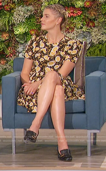 Amanda's black floral print flare dress on The Talk