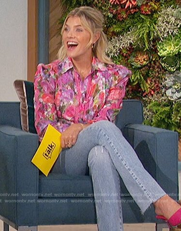 Amanda's pink floral blouse on The Talk