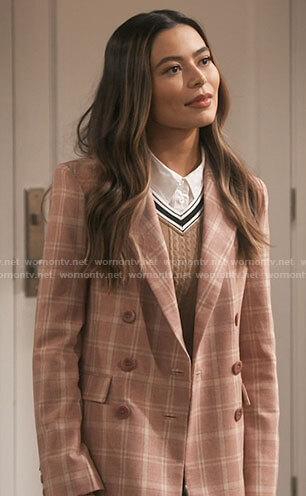 Carly's pink plaid blazer on iCarly