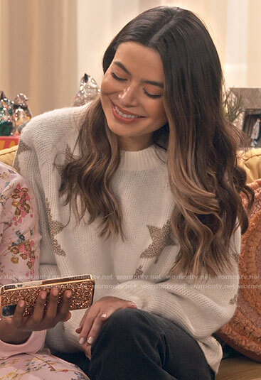 Carly's white star sweater on iCarly