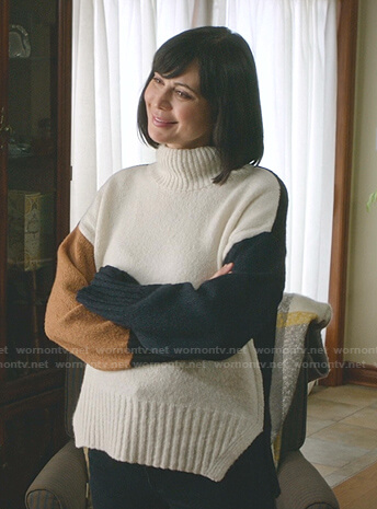 Cassie's colorblock turtleneck sweater on Good Witch