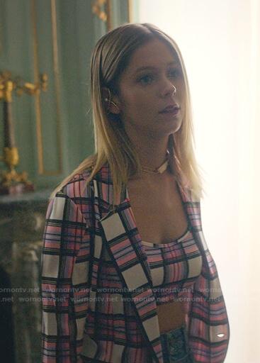 Cayetana's pink plaid cropped top and blazer on Elite