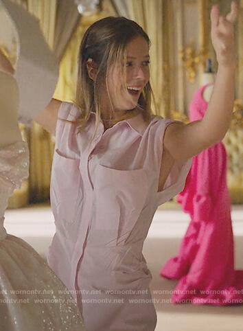 Cayetana's pink pleated dress with pockets  on Elite