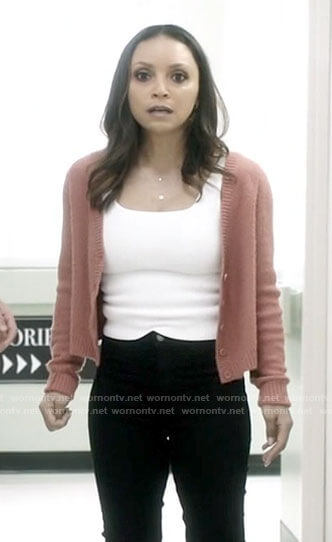 Caitlin's white pearl neck sweater on The Flash