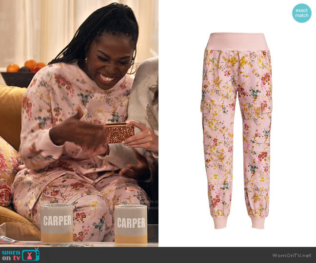 Cinq a Sept Sakura Giles Pants worn by Harper (Laci Mosley) on iCarly