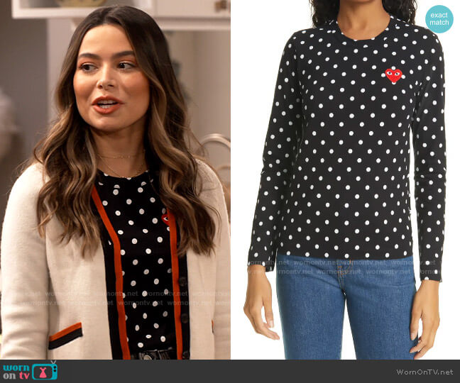 Comme Des Garcons PLAY Polka Dot Cotton T-Shirt worn by Carly Shay (Miranda Cosgrove) on iCarly