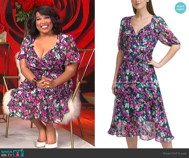 Printed Belted Dress by DKNY worn by Kym Whitley  on E! News