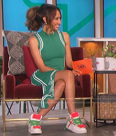 Elaine's green sleeveless asymmetric dress on The Talk