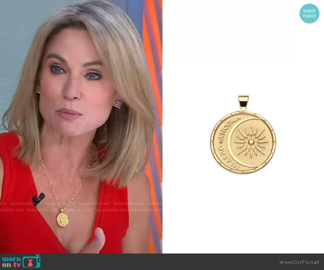 Pendant Coin Mi Alzo Ancora by Jane Win worn by Amy Robach  on Good Morning America