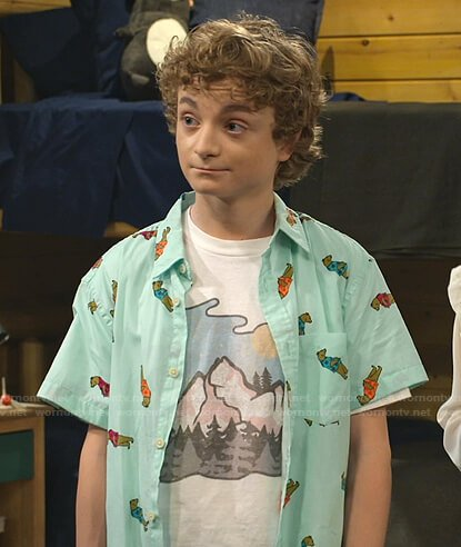 Finn's mint green bear print shirt on Bunkd