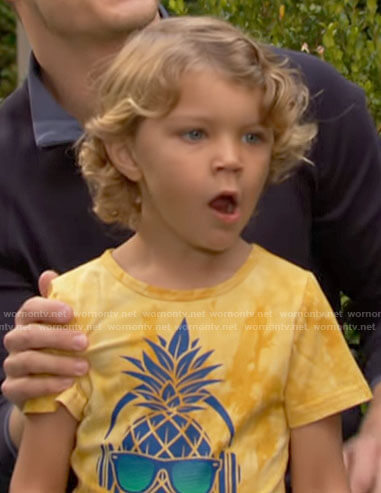 Harrison's yellow pineapple t-shirt on The Young and the Restless