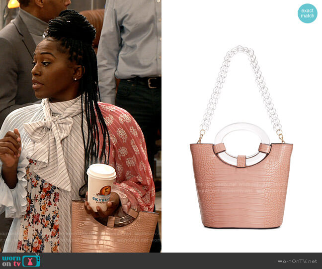 INC International Concepts Croco-Embossed Bucket Bag worn by Harper (Laci Mosley) on iCarly