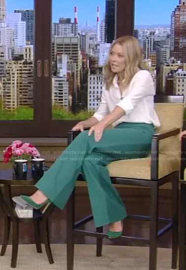 Kelly's green wide-leg pants on Live with Kelly and Ryan