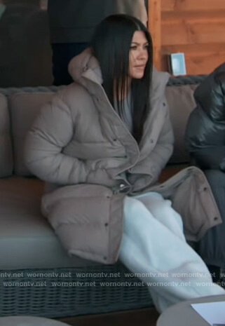 Kendal's blue sweatshirt on Keeping Up with the Kardashians