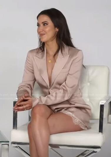 Kaitlyn Bristowe's satin blazer and shorts on E! News